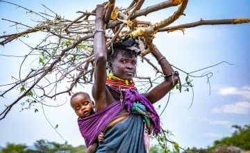 Atiir collects firewood every day to make money to feed her family. Recurrent drought has made it her only means of survival. Photo: Gavin Douglas / Concern Worldwide.