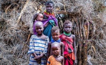 Atiir Kataboi with five of her seven children, Amoni, Ekalale, Arot, Imzee and Ebei. Photo: Gavin Douglas / Concern Worldwide