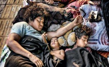 A homeless family sleeping during lockdown for Covid-19 pandemic, Bangladesh. Photo: Mohammad Rakibul Hasan