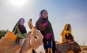 Harta*, Hamila*, Hdidja* and Fadoul* travel to far distances to find water. This is a daily chore and takes hours from their day. Photo: Gavin Douglas