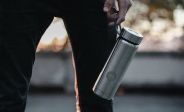 Keep a dedicated water bottle to make clear that it is the only thing you will drink for the week. Photo Unsplash