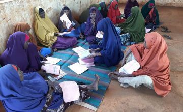 Self Help Group Facilitator of Danwadaag programme attending weekly meeting at Mahad alle IDP Hanano zone, December 2020. Photo: Abdullahi Abdulle / Concern Worldwide.