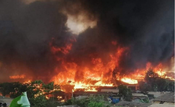 Fire in the Kutupalong Balukhali Extension refugee camp hosting Rohingya refugees in Cox's Bazar, Bangladesh in March 2021. Photo: Concern Worldwide.