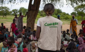 A Concern staff member at a mother's group