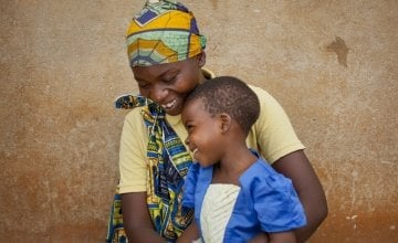 Married mum-of-four Clotilde Ndayisenga (25) and her five-year-old daughter Ines, Rugombo, Cibitoke,  Burundi. Photo: Abbie Trayler-Smith/Concern Worldwide