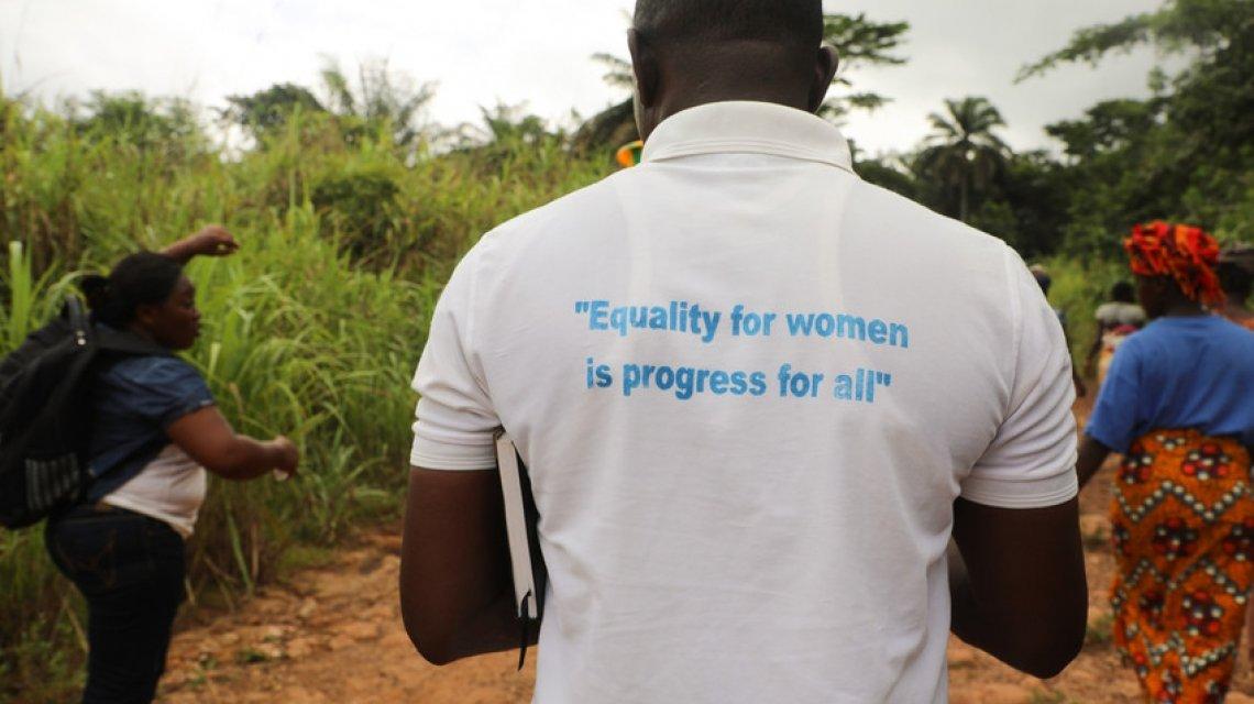 Concern staff member in Sierra Leone. Photo: Jennifer Nolan/Concern Worldwide.