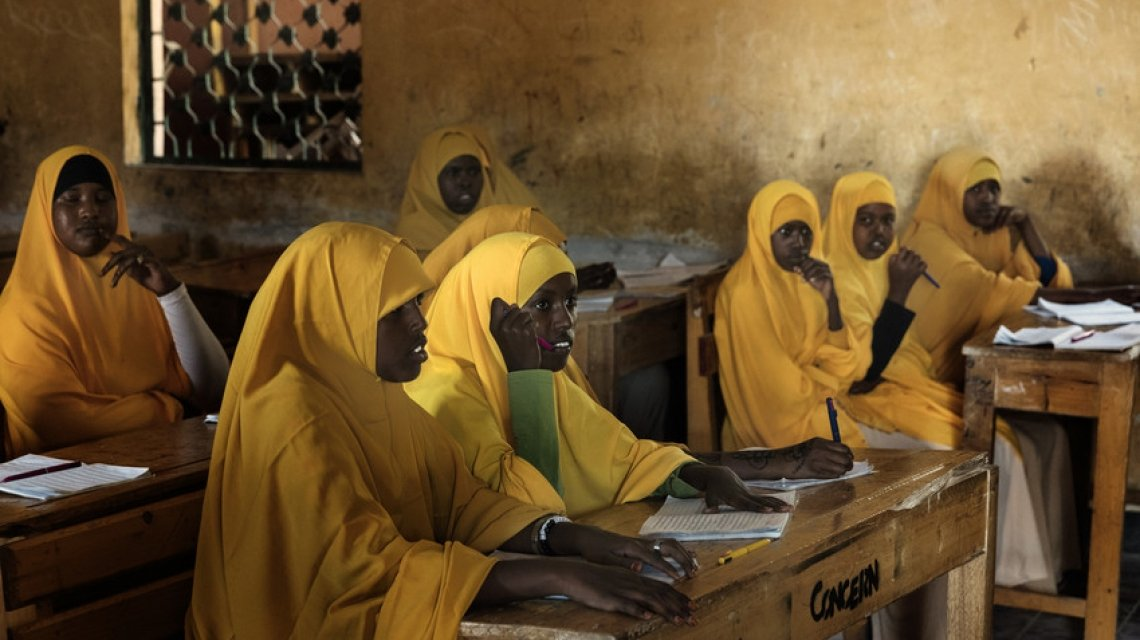 Female Students attend the SHG literacy and numeracy classes. Photo: Marco Gualazzini/ Concern Worldwide.