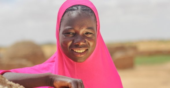 Souley Mai Daoua (17) is a member of the 'Mama Lumiere' mothers group in Niger. Photo: Jennifer Nolan/Concern Worldwide.