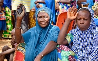 We are helping hundreds of vulnerable women in two local communities in Tahoua hit hard by lack of rain and a failed harvest last year. In the village of Sarkake, 316 women receive 32,500 francs (50€) each month over a period of six months. And if they have children under the age of two, they are also given a month's supply of bio-fortified flour. Photo: Darren Vaugan / Concern Worldwide.