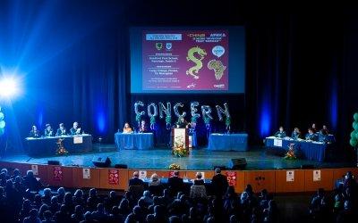 Concern Debate teams get ready to go head to head. Photo: Camila Gomes / Concern Worldwide / May 2019