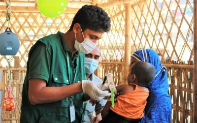 Habib* came with his mother Melina* to Tanjimarkhola OTP centre of Concern in Rohingya refugee camp. Photo: Tariq Adnan/Concern Worldwide