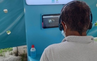 A patient consults with a doctor via video call