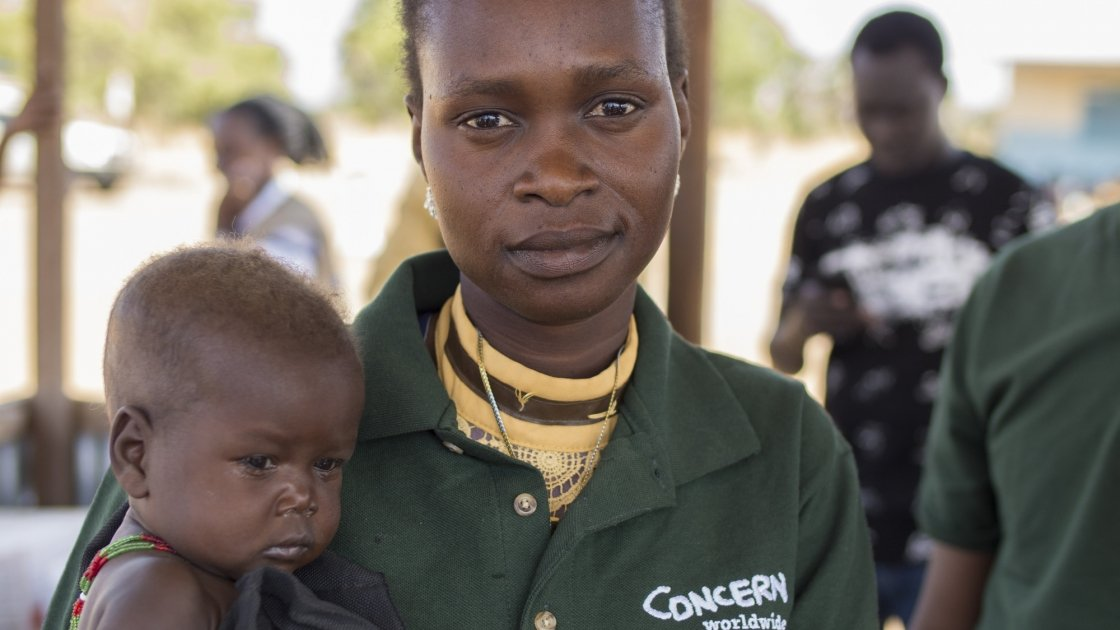 14 month old Chan Adim Garang and Monica Mawien. Photo: Kieran McConville/Concern Worldwide