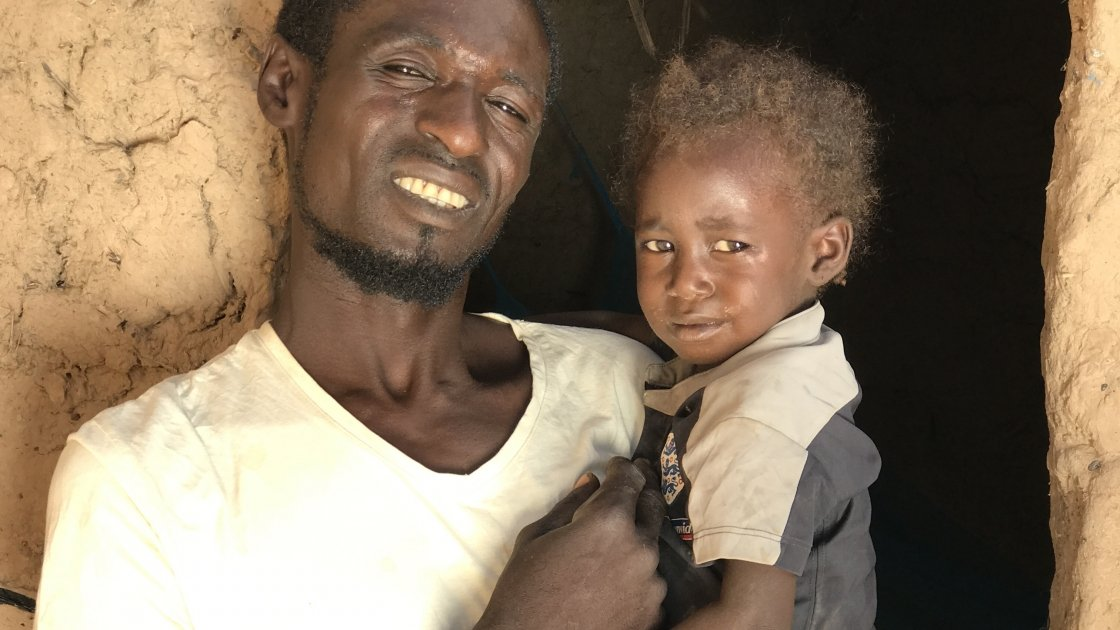 37-year-old father-of-three Mika Abu and his three-year-old daughter Habibah. Photo: Darren Vaughan/Concern Worldwide