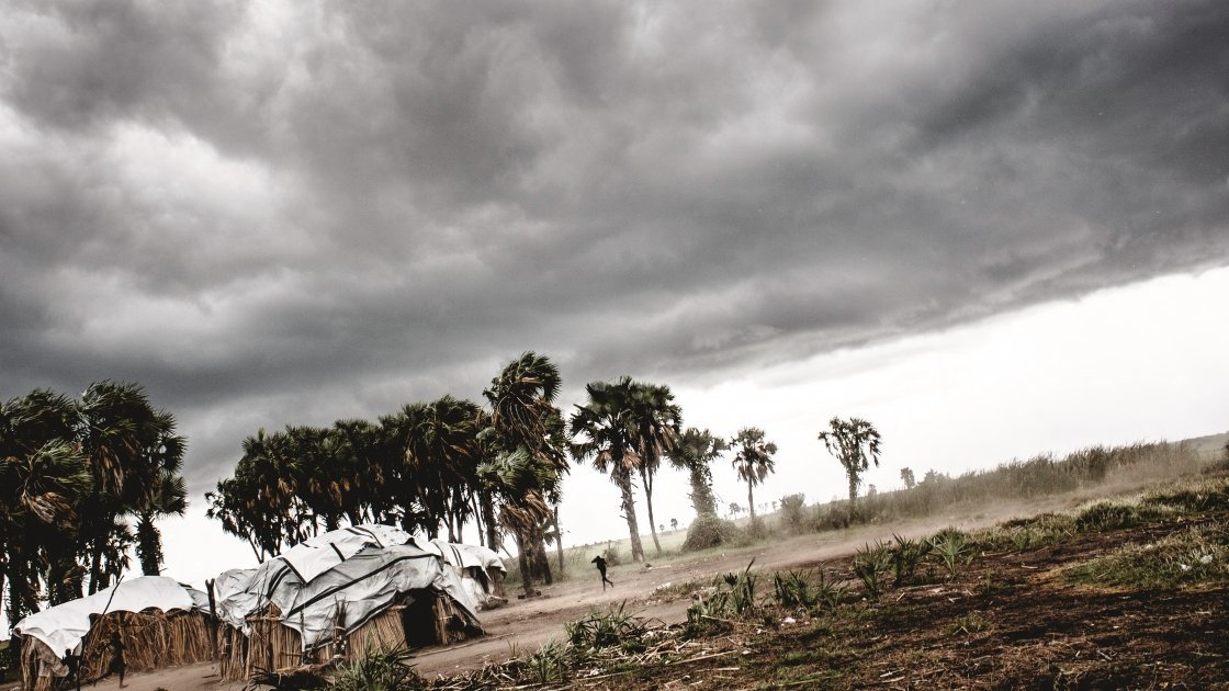 A storm strikes on the island of Buthony, Unity State, South Sudan. The country's problems with hunger due to prolonged conflict and displacement are exacerbated by severe recurring droughts and extreme rainy seasons. Photo: Welthungerhilfe/Andy Spyra, 2017