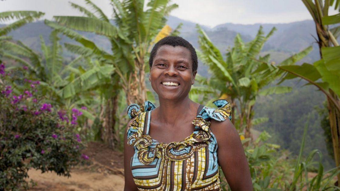 Community Health Worker Jeannette Icimanishatse. Photo: Abbie Trayler-Smith / Concern Worldwide