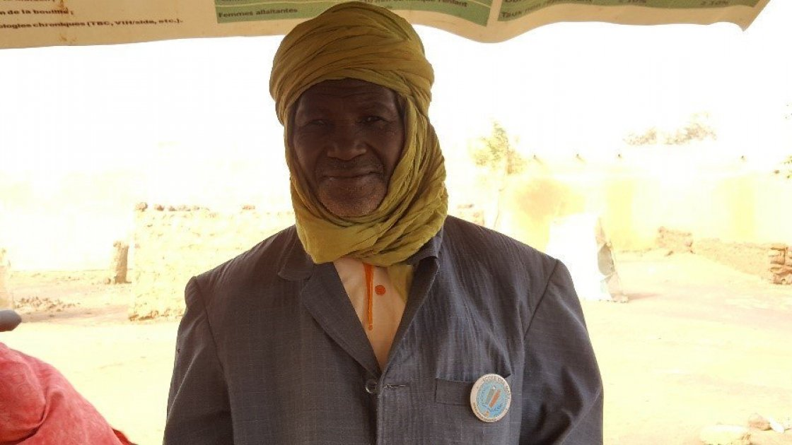 Mika Moutari shares what being a community volunteer means to him. Photo: Ciara Hogan/Concern Worldwide.