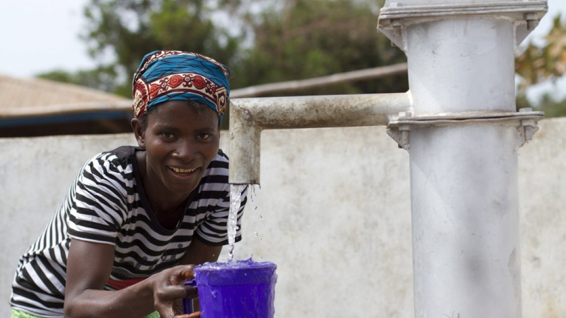 Malone Maternal Health Post in Tonkolili, Sierra Leone has been renovated by Concern. The centre now has medical equipment, clean water, medicines and fridges. Photo: Jennifer Nolan/ Concern Worldwide.