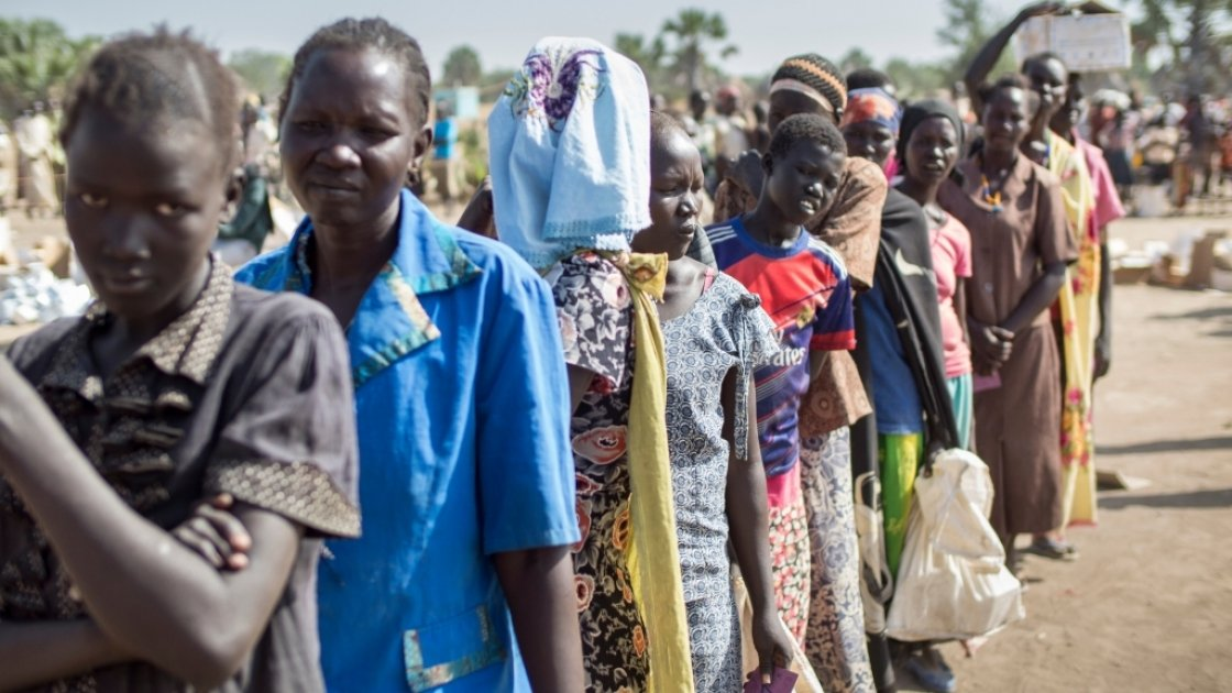 A general food distribution being carried out jointly by Concern Worldwide and World Food Programme (WFP) in Northern Bahr el Ghazal, South Sudan. Concern has been supplying 37,000 households per quarter with sorghum, vegetable oil, and lentils or beans.