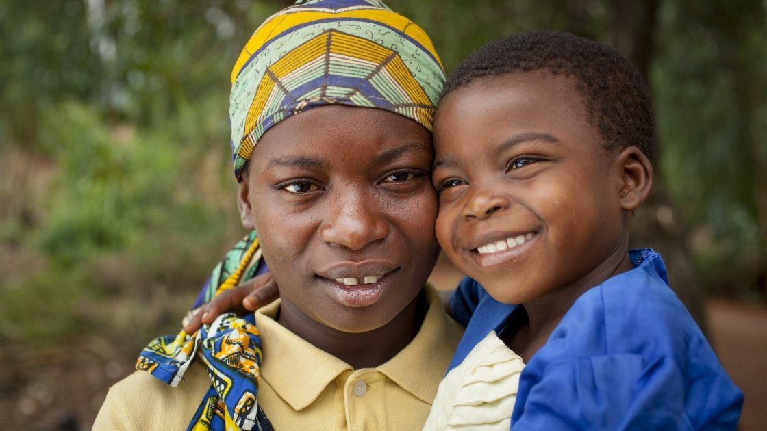 Married mum-of-four Clotilde Ndayisenga (25) and her five-year-old daughter Ines, Rugombo, Cibitoke, Burundi
