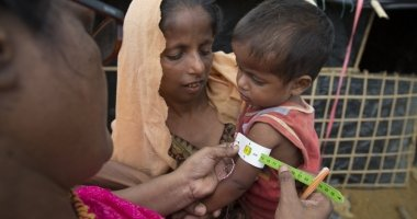 Concern's Abida Suldana carries out screening for malnutrition Moynadhona refugee camp for Rohingya in Cox's Bazar, Bangladesh