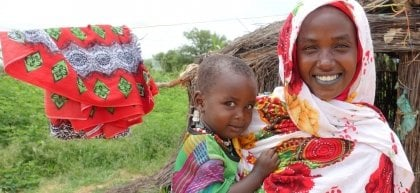 Ache (19) and Maimouna (2). Fararo, Chad. Photo: Lucy Bloxham/Concern Worldwide