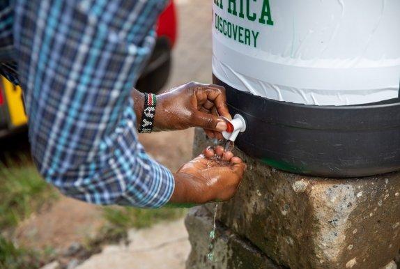 Hand-washing station at Government health care facility next to Kibera Slum, Nairobi, Kenya Photo: Ed Ram / Concern Worldwide