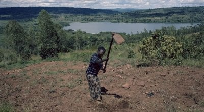 Single mum Espérence Ndayishimiye, Burundi. Chris de Bode/Panos Pictures for Concern Worldwide