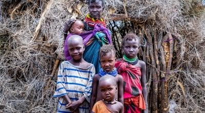 Atiir Kataboi with five of her seven children, Amoni, Ekalale, Arot, Imzee and Ebei. Photo: Gavin Douglas / Concern Worldwide