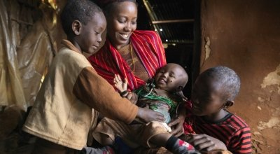 Nasibo Asuran and her children in Marsabit, Kenya. Photo: Peter Caton / Concern Worldwide.