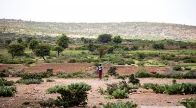 A farmer walks out to his field in Carracad, Somaliland. Photo: Gavin Douglas / Concern Worldwide