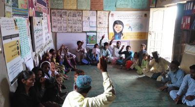 Focus Group Discussion at Ghotki, Sindh, Pakistan. Photo: Chaudhry Inayatullah / AWARD.
