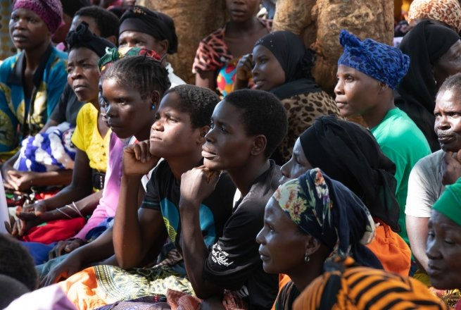 A section of the audience at a community meeting in Kwilapo, Malawi, to outline Concern's graduation programme, the community irrigation project and the savings and loan scheme. Photo: Eamon Timmins/ Concern Worldwide