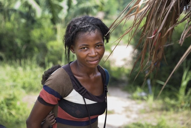 Banze Therese, with one of her three daughters, is benefitting from Concern's graduation programme. Photo: Kieran McConville